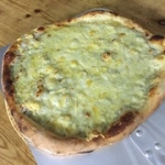 "Pizza bianca • <a style=""font-size:0.8em;"" href=""http://www.flickr.com/photos/139497134@N03/39678893992/"" target=""_blank"">View on Flickr</a>"